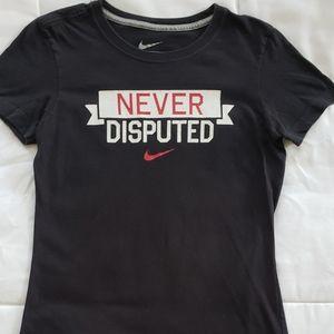 Nike Ladies SlimFit Size S Black T-shirt Pre-Owned